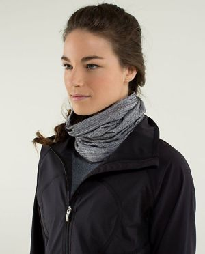 Lululemon - Neck Warmer